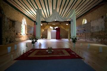 Festlicher Saal für türkisch-pakistanische Hochzeit
