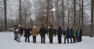 Seminarrunde im Schnee, Menschen im Kreis